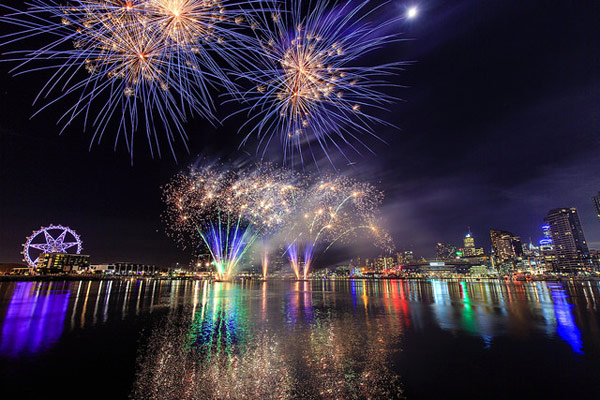 Fireworks - by Scott Cresswell - Flickr Creative Commons